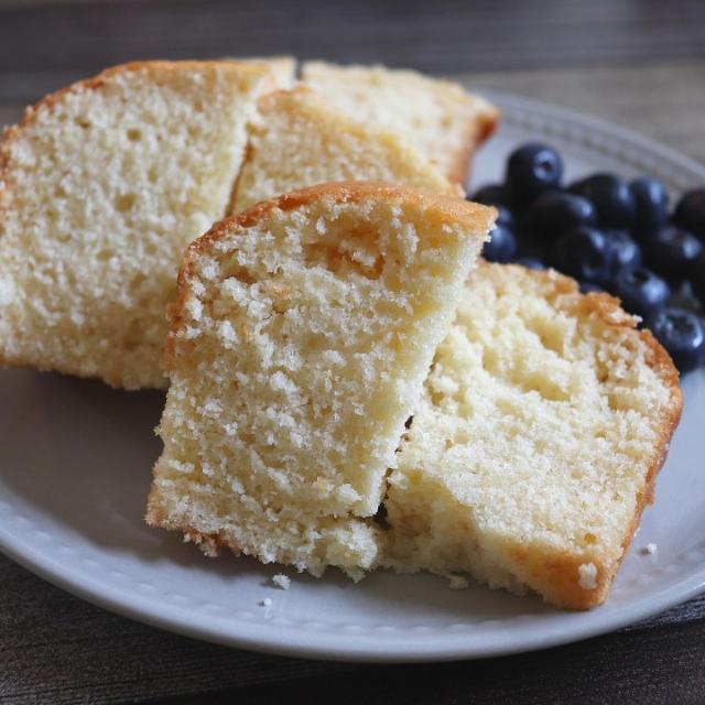 ココナッツミルクケーキ